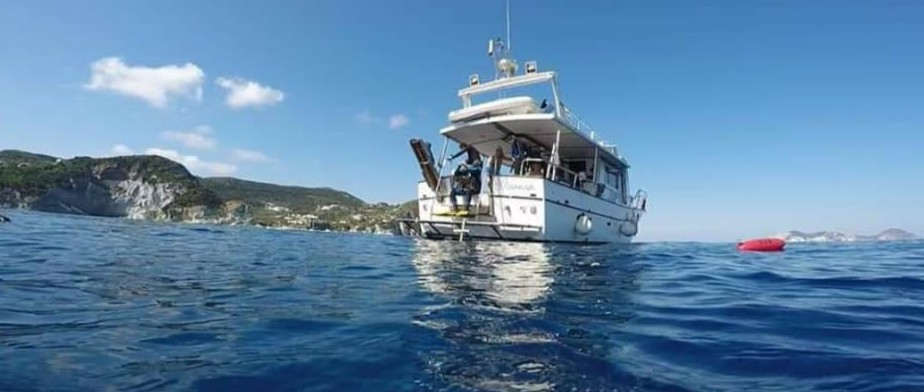 Escursioni in barca o gommone Anzio Nettuno Torre Astura Isole Ponza palmarola.